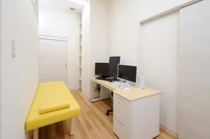 NLC190327_0016(診察室②)